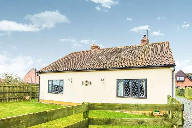 3 Bedrooms Detached Bungalow for sale in Sandholme Road, Gilberdyke, Brough, HU15