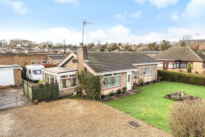 3 Bedrooms Detached Bungalow for sale in Ermine Street, Ancaster, NG32