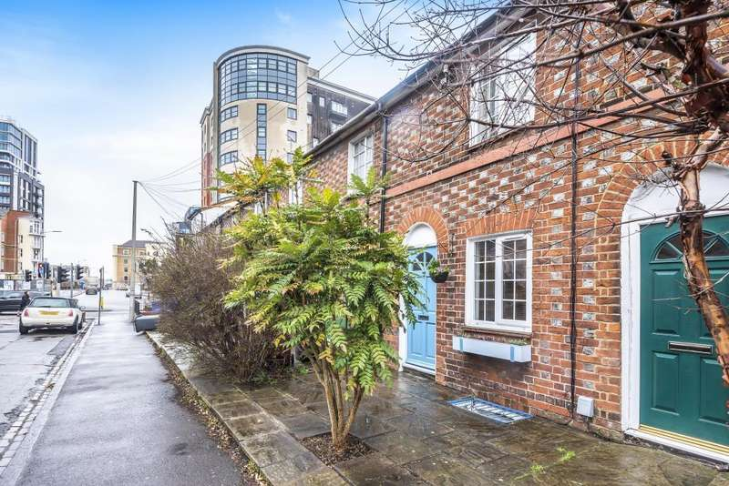3 Bedrooms House for sale in Watlington Street, Reading, RG1