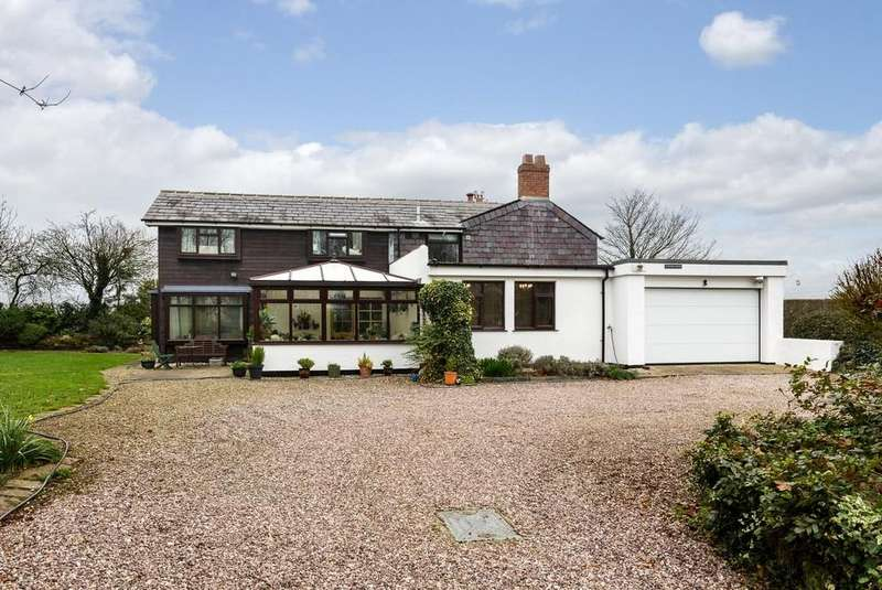 5 Bedrooms Detached House for sale in Crowmere House, Dobers Lane, Frodsham, WA6 6HA