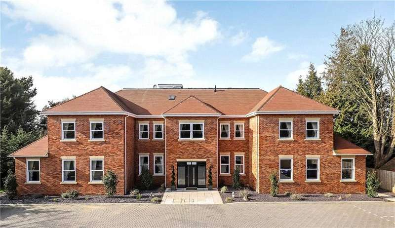 2 Bedrooms Flat for sale in Brook Lane, Warsash, Southampton, Hampshire, SO31