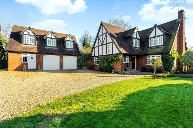 4 Bedrooms Detached House for sale in Winter Hill Road, Pinkneys Green, Berkshire, SL6