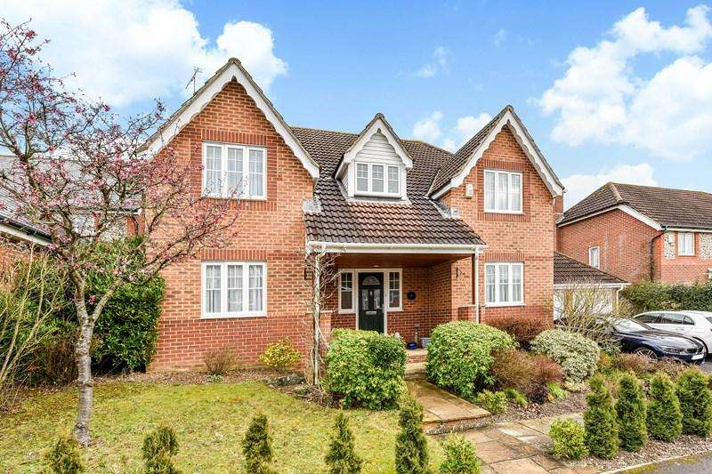 6 Bedrooms Detached House for sale in Lapwing Rise, Whitchurch