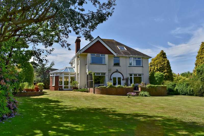 5 Bedrooms Detached House for sale in Dilly Lane, Barton on Sea, New Milton, BH25