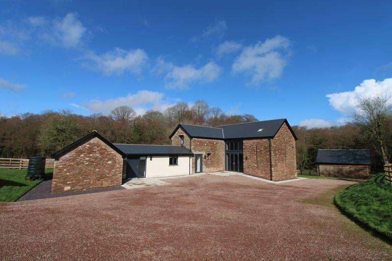 4 Bedrooms House for sale in Coed Poeth Barn, Tregare, Raglan