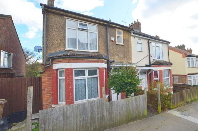 3 Bedrooms Semi Detached House for sale in Kingston Road, Round Green, Luton, LU2 7SA