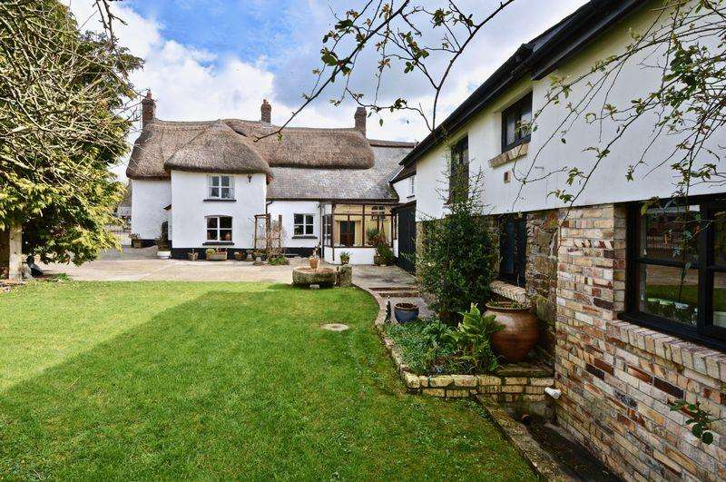 6 Bedrooms Unique Property for sale in South Street, Beaworthy