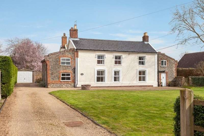 4 Bedrooms Farm House Character Property for sale in Great Ellingham
