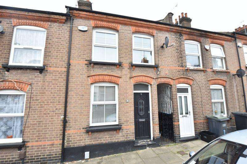 3 Bedrooms Terraced House for sale in Baker Street, Luton