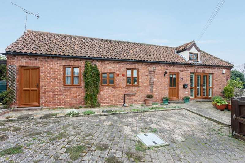 2 Bedrooms Barn Conversion Character Property for sale in Stiffkey