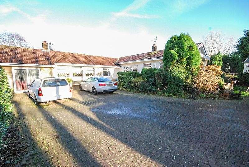 4 Bedrooms Bungalow for sale in Moor Lane, Cleadon