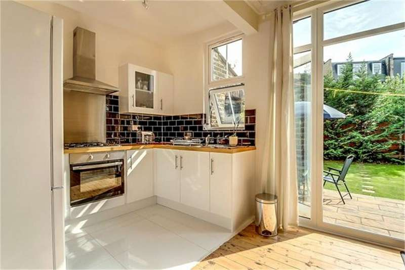 3 Bedrooms Semi Detached House for sale in Mulgrave Road, London