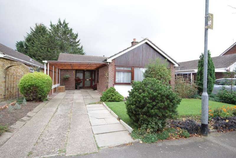 3 Bedrooms Bungalow for sale in Badminton Road, Maidenhead