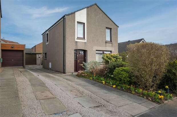 3 Bedrooms Detached House for sale in Bishop Forbes Crescent, Blackburn, Aberdeen