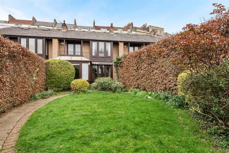 3 Bedrooms House for sale in Royal York Mews, Royal York Crescent, Bristol