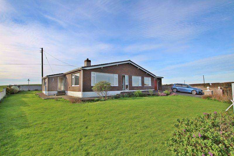 4 Bedrooms Detached Bungalow for sale in Coedana, Llannerch-Y-Medd, Anglesey