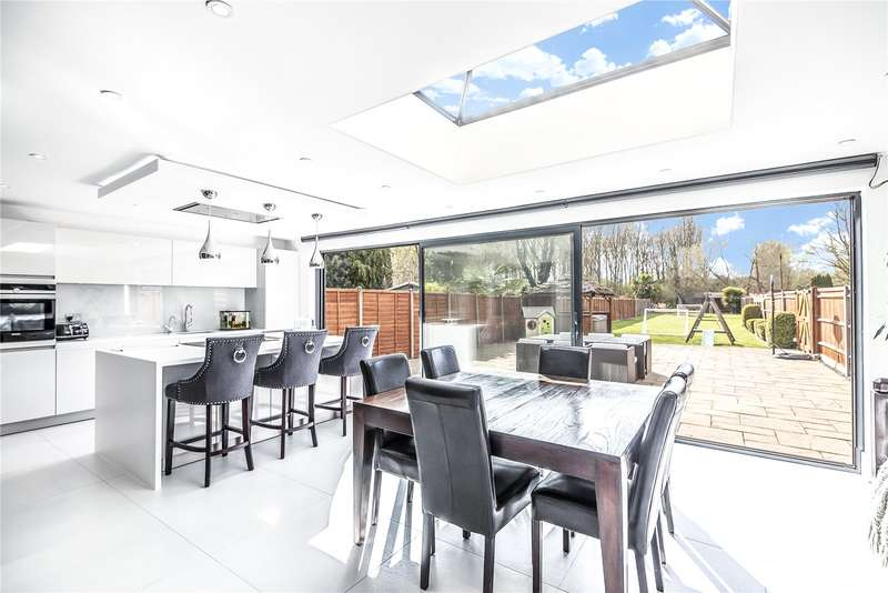 4 Bedrooms Semi Detached House for sale in Colne Avenue, West Drayton, Middlesex, UB7