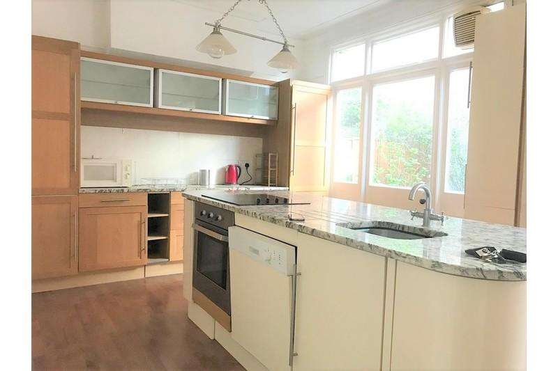 4 Bedrooms Semi Detached House for rent in Cleveland Avenue, Stamford Brook