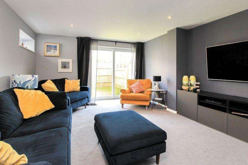 3 Bedrooms End Of Terrace House for sale in Pitstone
