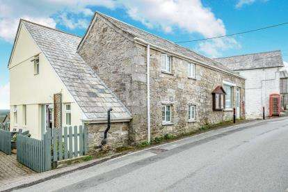 4 Bedrooms Detached House for sale in Row, St Breward, Cornwall