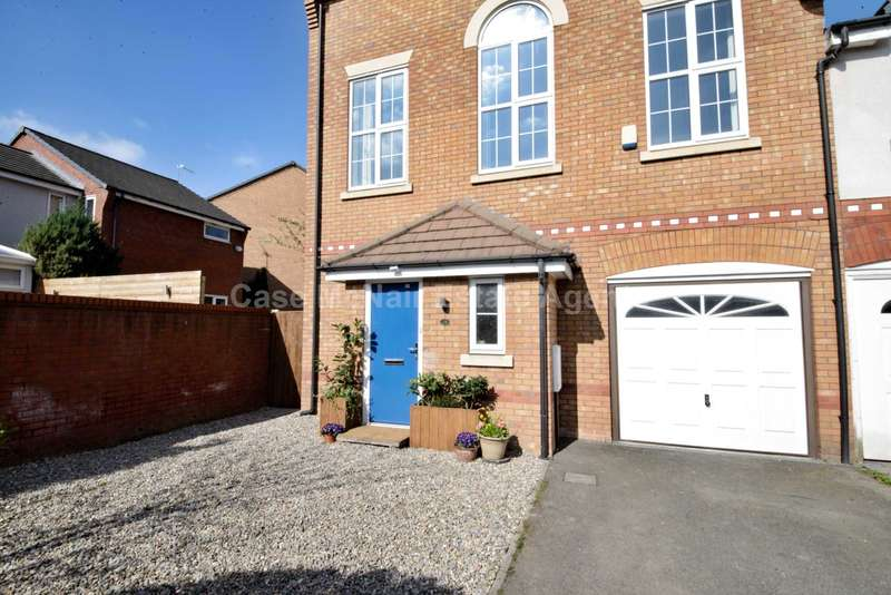 3 Bedrooms Semi Detached House for sale in Abbeystead Avenue, Chorlton Cum Hardy