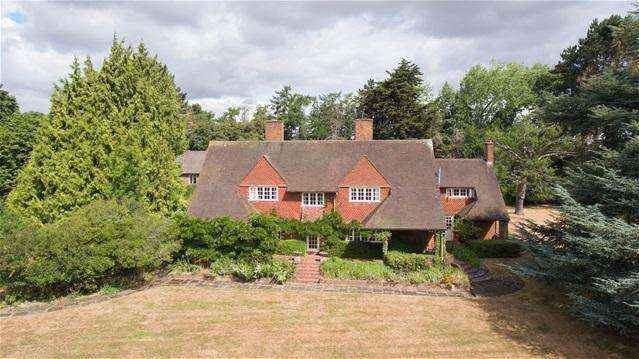 8 Bedrooms Detached House for sale in Harpsden Bottom, Henley-on-Thames