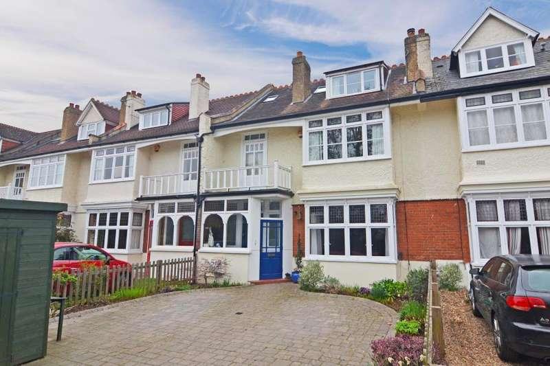 5 Bedrooms Terraced House for sale in Elmers Drive, Teddington, TW11