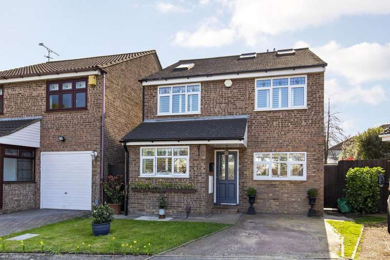 4 Bedrooms Detached House for sale in Laura Close, Wanstead