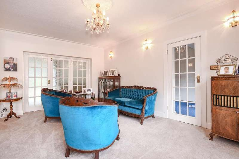 6 Bedrooms Detached House for sale in Dorset Drive, Canons Drive Estate, HA8
