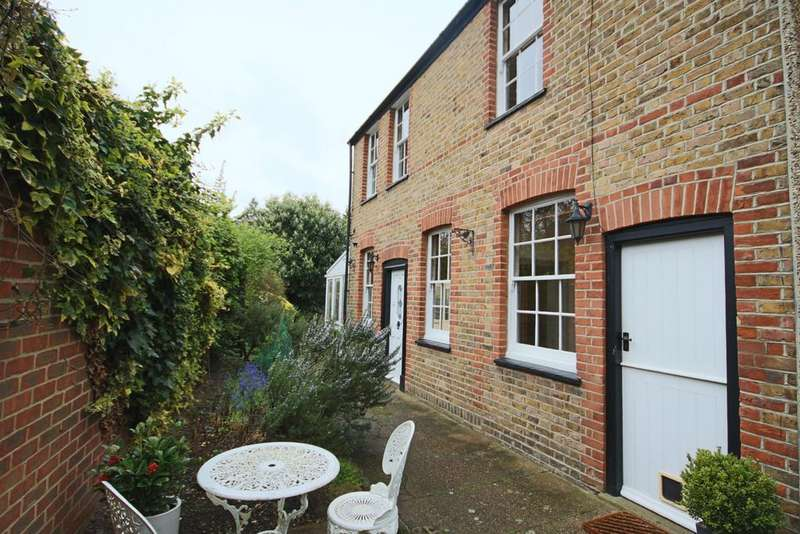 2 Bedrooms Cottage House for sale in Cookham Road, Maidenhead