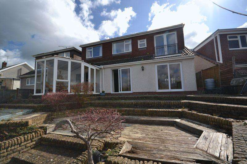5 Bedrooms Semi Detached Bungalow for sale in Glenwood Drive, Oldland Common, Bristol