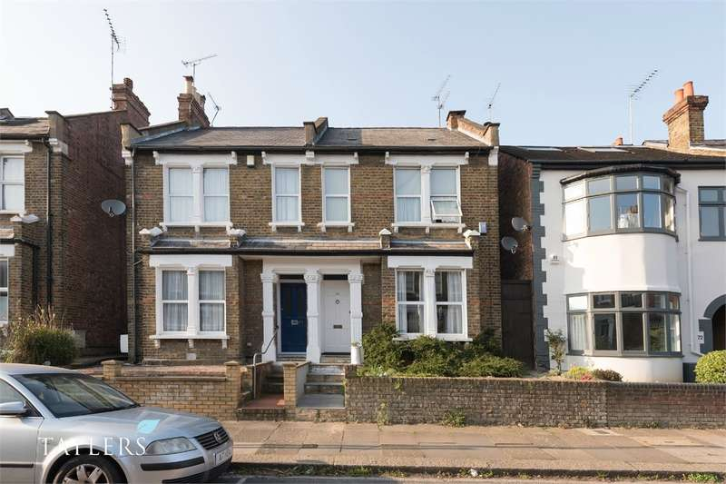 3 Bedrooms Semi Detached House for sale in Hertford Road, East Finchley, London