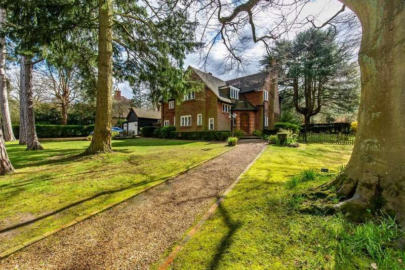4 Bedrooms Detached House for sale in Webb Estate, Purley