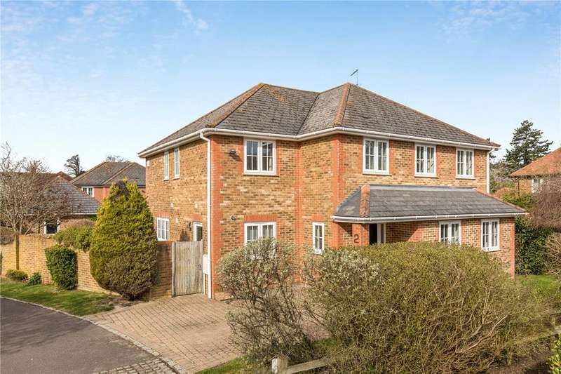 5 Bedrooms Detached House for sale in Damask Close, Tring, Hertfordshire, HP23