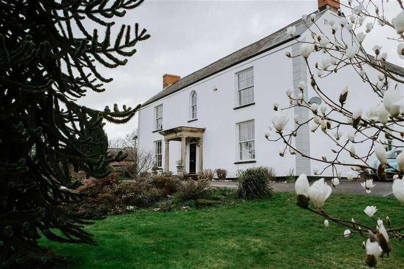 9 Bedrooms Detached House for sale in Westford, Wellington, TA21