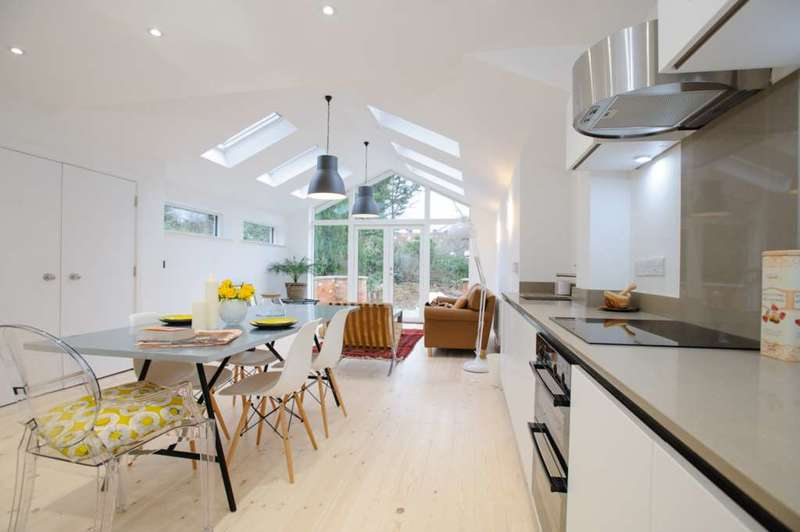 5 Bedrooms Terraced House for rent in Valentia Road, Headington **Student Property 2021**