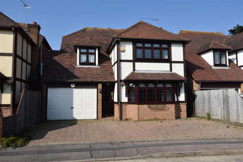 5 Bedrooms Detached House for sale in Thorp Leas, Canvey Island