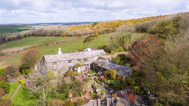 4 Bedrooms Detached House for sale in Cardinham, Bodmin