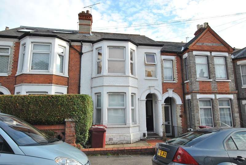 3 Bedrooms Terraced House for sale in Priory Avenue, Caversham, Reading