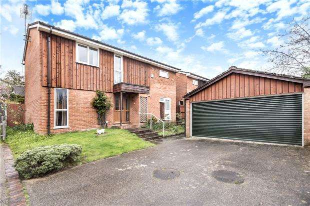4 Bedrooms Detached House for sale in Gainsborough, Bracknell, Berkshire