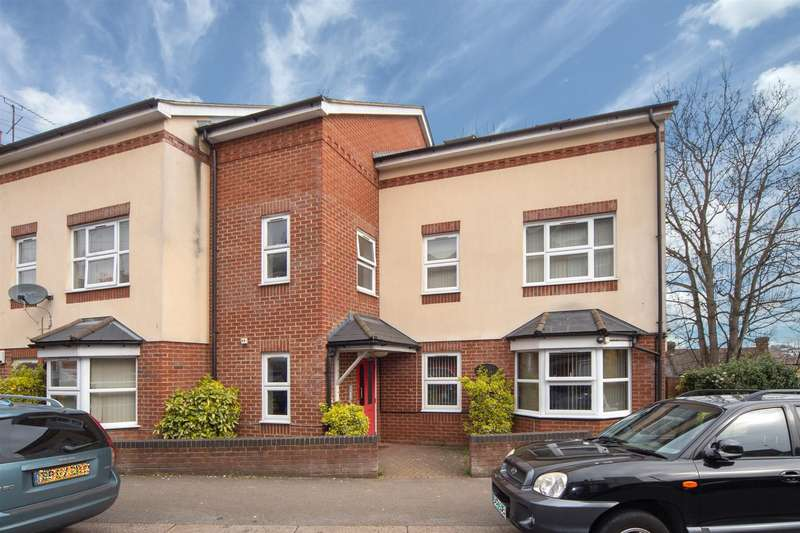 1 Bedroom Flat for sale in Flat 5, 10 St Saviours Crescent, Luton