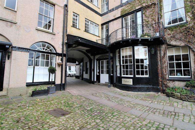 2 Bedrooms Flat for sale in Beaufort Court Arms, Agincourt Square, Monmouth