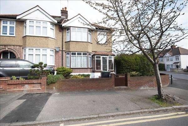 Property for sale in Walnut Way, Buckhurst Hill, Buckhurst Hill, Essex, IG9 6HX