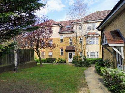 2 Bedrooms Flat for sale in Green Dragon Court, Strathmore Avenue, Luton, Bedfordshire