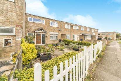 3 Bedrooms Terraced House for sale in Scarborough Avenue, Stevenage, Hertfordshire, England