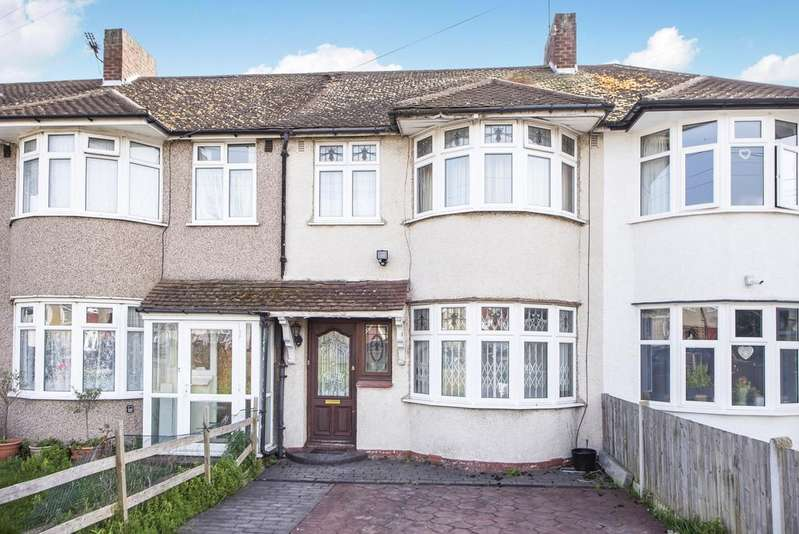 3 Bedrooms Terraced House for sale in Cameron Road London SE6