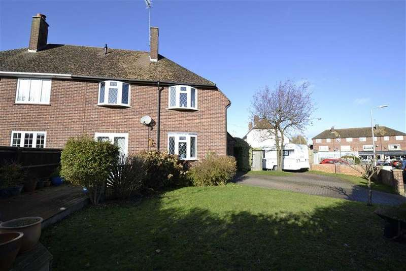 3 Bedrooms Semi Detached House for sale in Dolman Road, Newbury, Berkshire, RG14