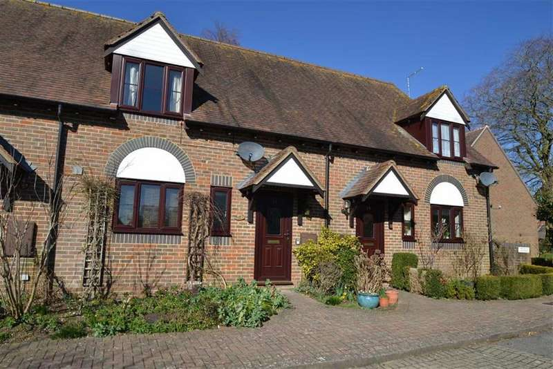 2 Bedrooms Terraced House for sale in St Michael's Close, Lambourn, Berkshire, RG17