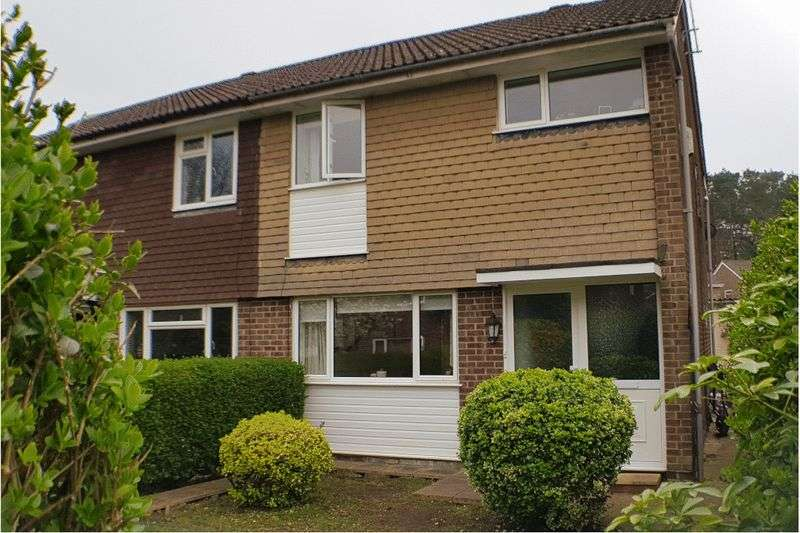 3 Bedrooms Property for sale in Holland Pines, Bracknell