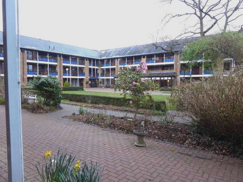 2 Bedrooms Retirement Property for sale in Emmbrook Court, Reading